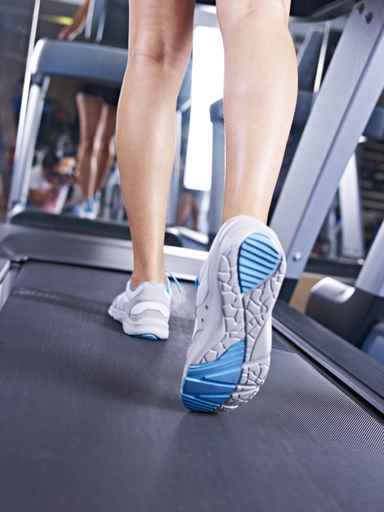 can you run on a manual treadmill